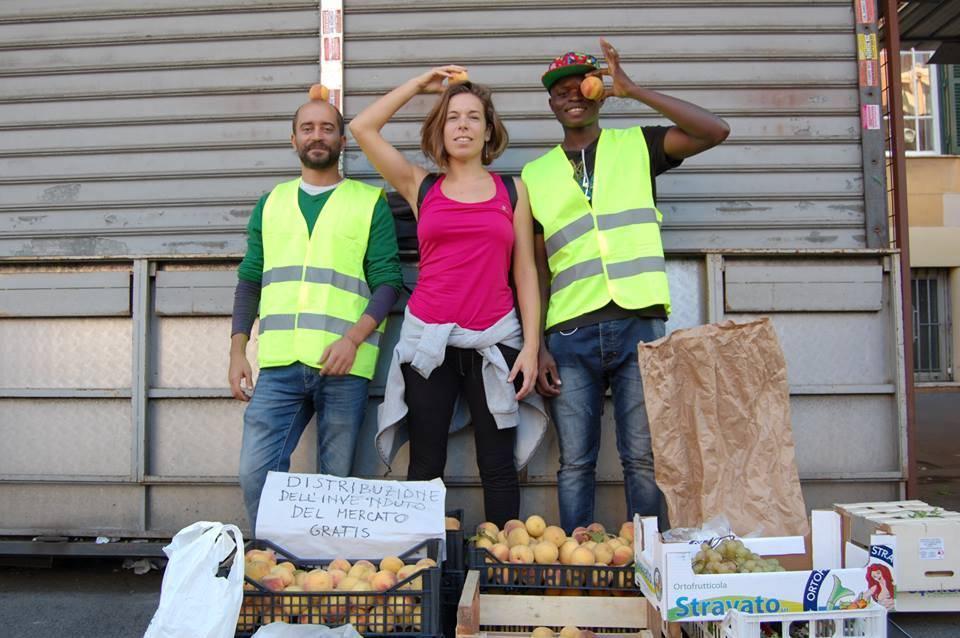 Lotta allo spreco alimentare nei mercati rionali